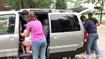 汽车安全提示 别让孩子独自一人留在汽车里